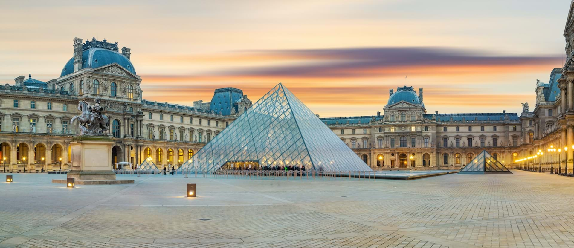 Louvre Stock Web